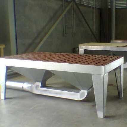 Down draft Sanding Bench